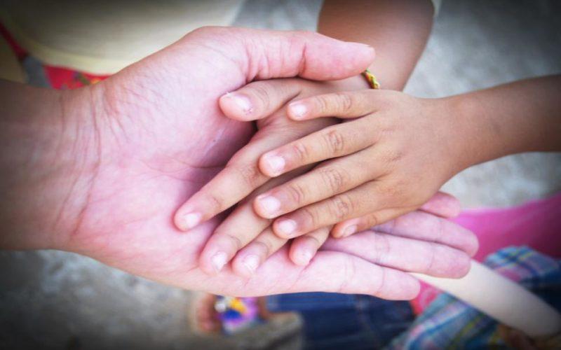 Deja al niño contar con los dedos, es bueno para él